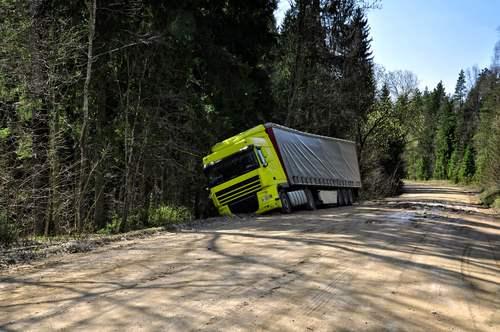 18 Wheeler & Semi Truck Accident Lawyer in Atascocita, TX
