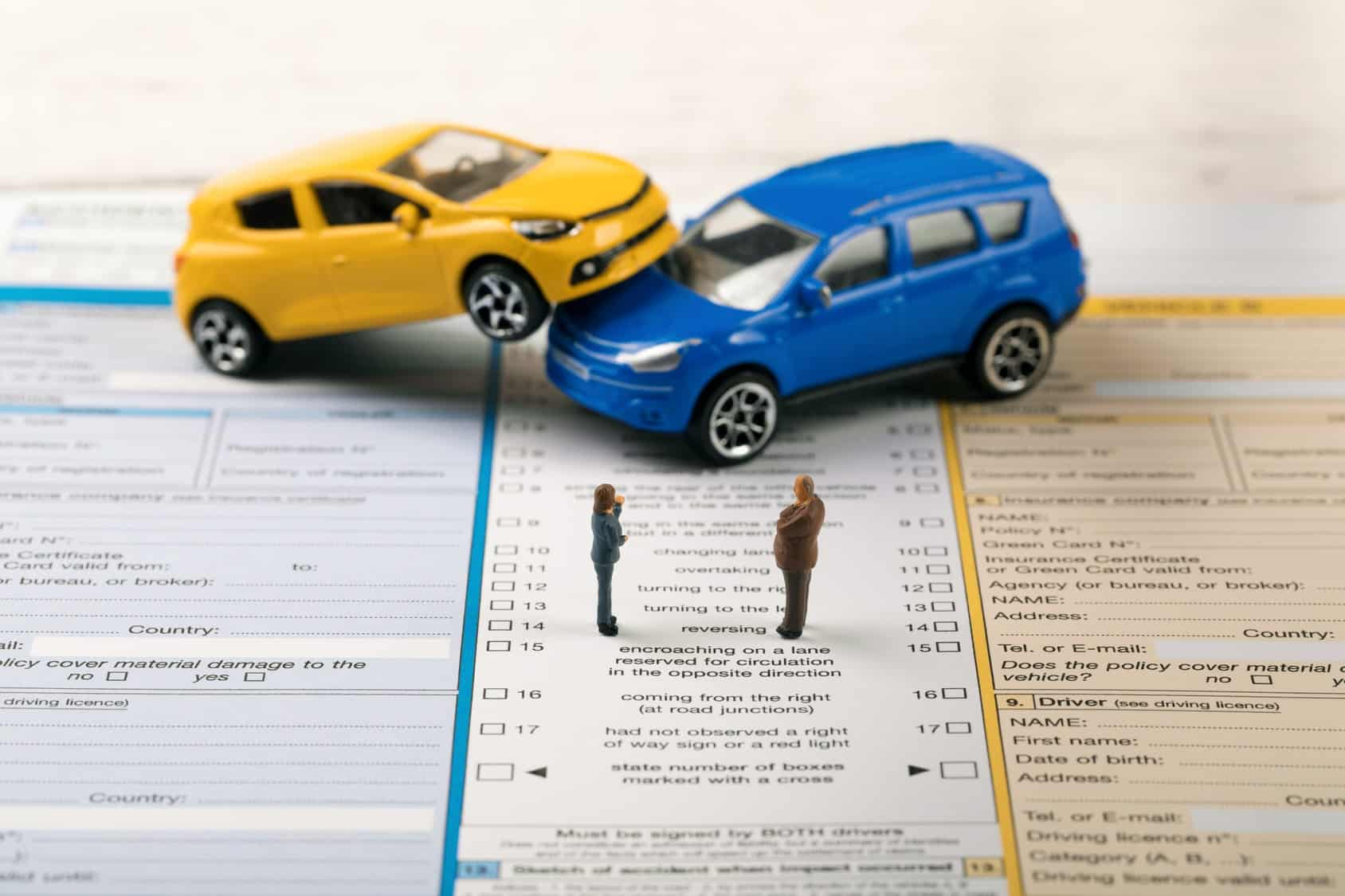 How Should You Deal With Your Insurance Company After an Auto Accident?