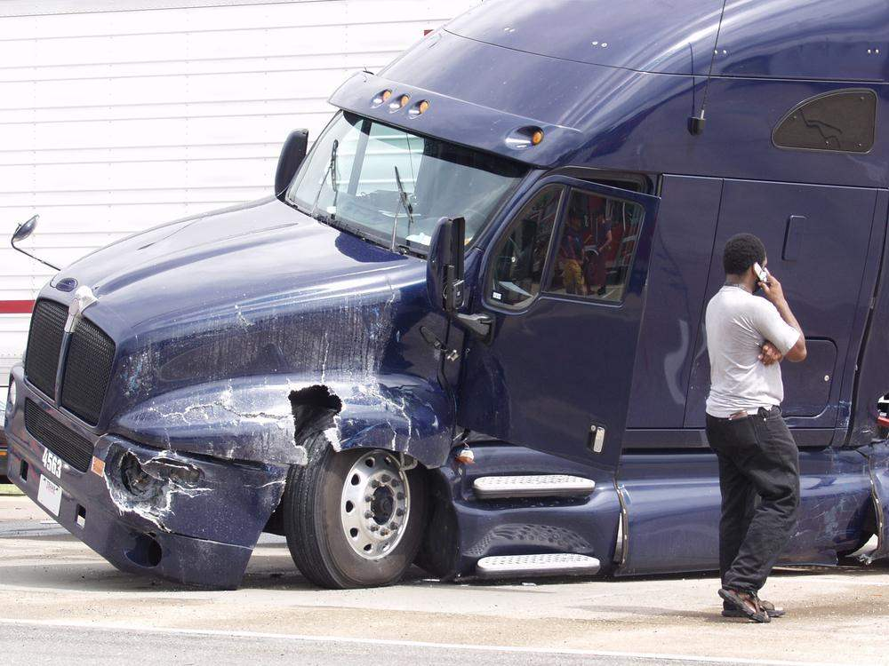 Friendswood Commercial Vehicle Accident Lawyer